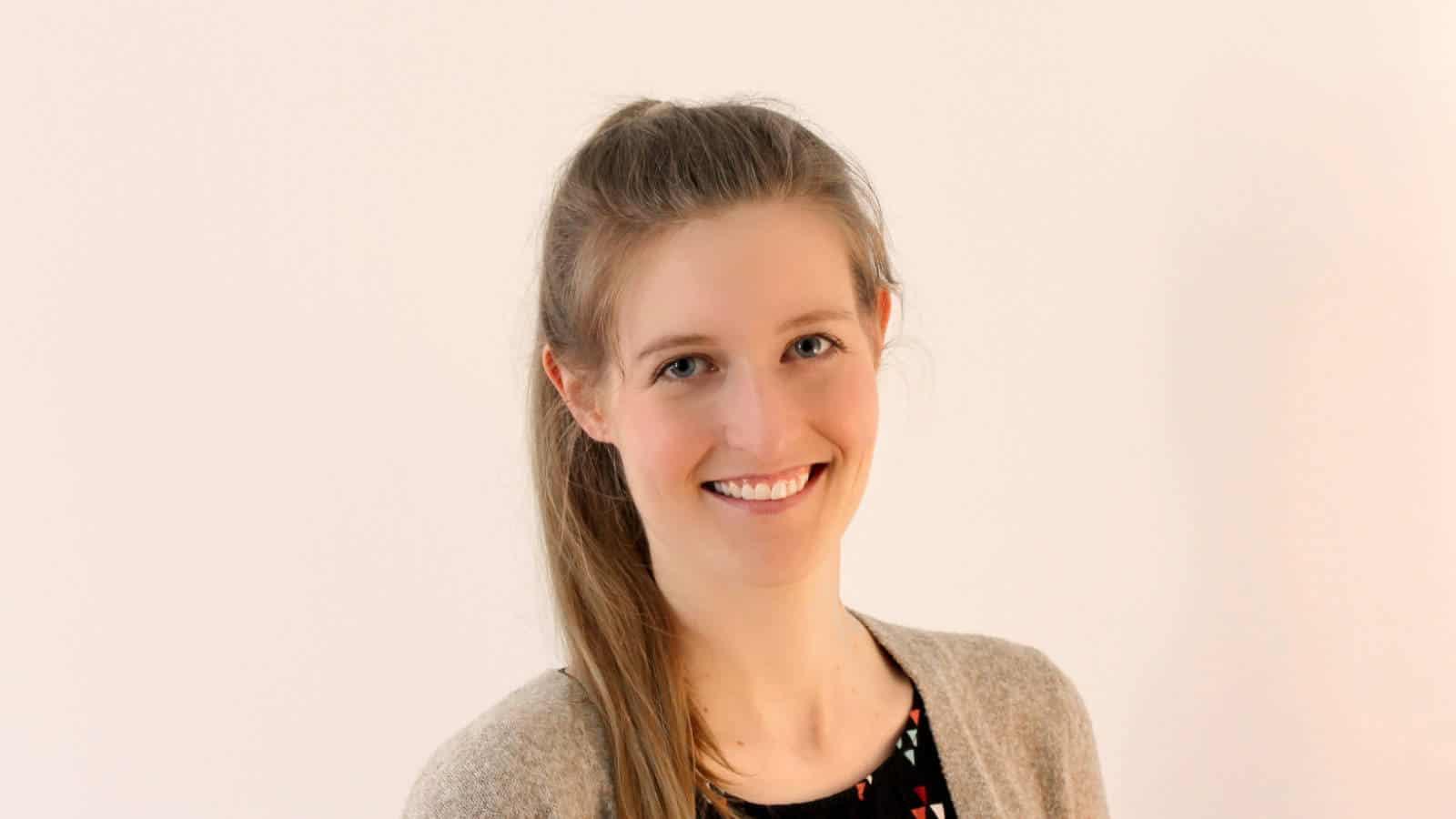 Dr. Janine Starzonek